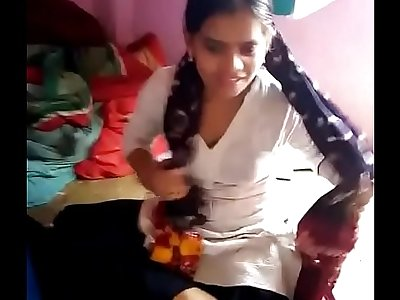 Desi cute girl giving blowjob very nice.