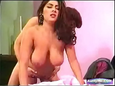 Indian Actress Fucked Hard In Sex Tape - AuntyPie.COM
